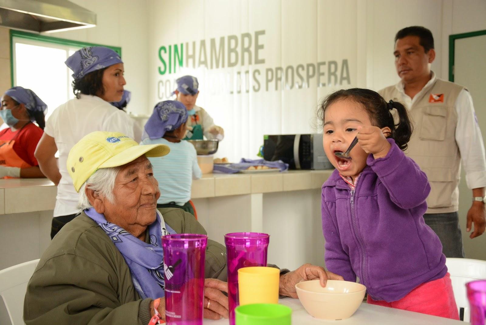 Festejan primer aniversario del comedor comunitario de la for Proyecto de comedor comunitario