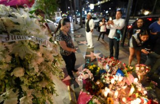 Trasladan restos de Juan Gabriel al forense de Los Ángeles