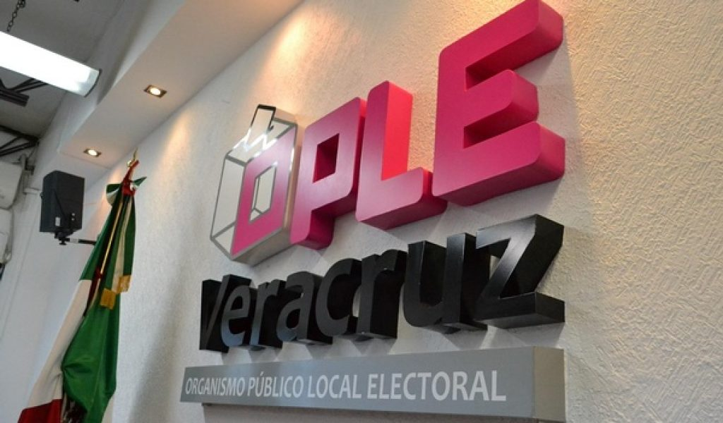 Registra coalición PAN-PRD candidatos a diputados locales
