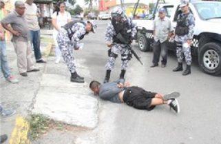Vecinos atrapan a presunto ladrón en Veracruz