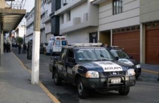 Roban vehículo oficial a elementos de la Fiscalía en Coatzacoalcos