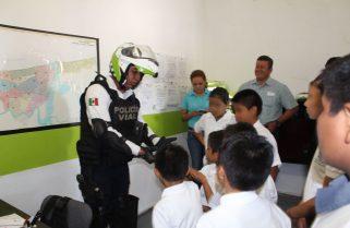 Conviven pequeños de la Casa del Niño Porteño con Policía Estatal