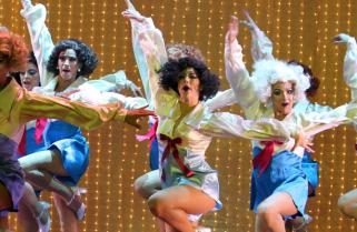"""""""La Jaula de las locas"""" supera expectativas y va por 200 representaciones"""