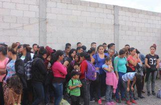 Rescatan a 108 migrantes en carretera Puebla-Córdoba