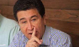 XALAPA, VERACRUZ. (03-MARZO-14)  El senador de la Republica Héctor Yunes Landa En conferencia de prensa informó que el fin de semana el Comité Ejecutivo Nacional de PRI lo nombró responsable en Baja California, Sonora y Sinaloa, para la designación de candidatos a gobernador que contenderán en el proceso del 2015. PLATANEGRA.MX// Julio Argumedo