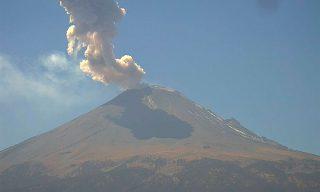 643535_volcan-popocatepetl-54-exhalaciones-tres-explosiones