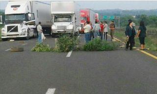 Reportan-bloqueos-carreteros-Chiapas-2038673