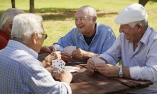 ancianos-activos-shutterstock_128072579-copy