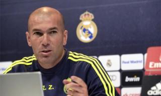 zinedine-zidane-entrenador-del-real-madrid-durante-una-rueda-prensa-ciudad-deportiva-valdebebas-1463129745425